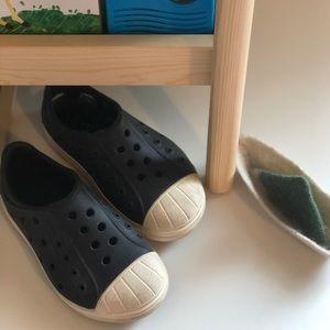 Crocs Toddler shoes size 8 Unisex